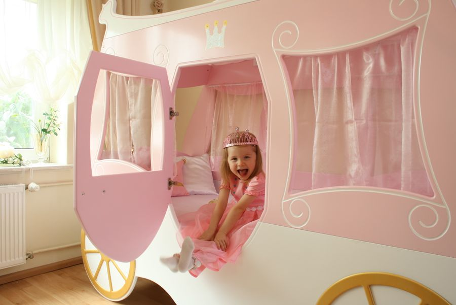 lit enfant carrosse de princesse. Black Bedroom Furniture Sets. Home Design Ideas